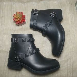 Black Rain Booties Woman Sz 9